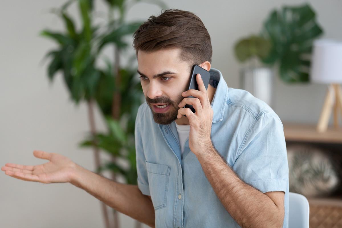 Delinqüent en pàgines de contactes