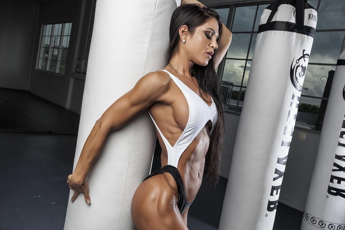 筋肉のマドリードの娼婦
